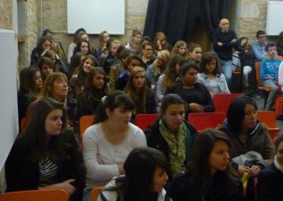 lecture-theatrale-pour-les-1eres-a-la-chapelle-2