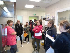 Visite d une cuisine collective for Responsable de cuisine collective